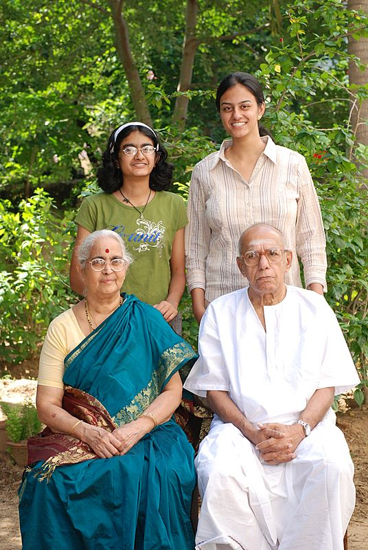 kaka_with_grandparents_2007_11_04